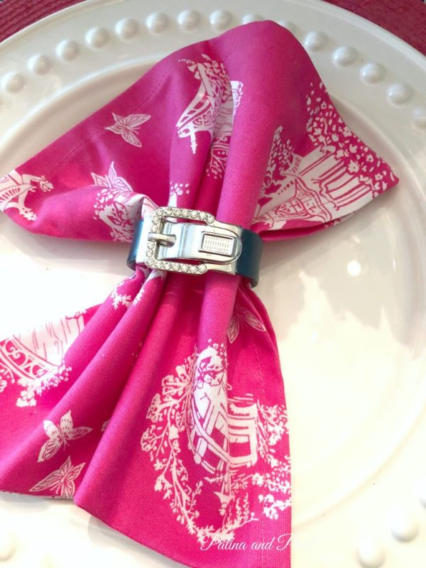 Pretty napkin ring