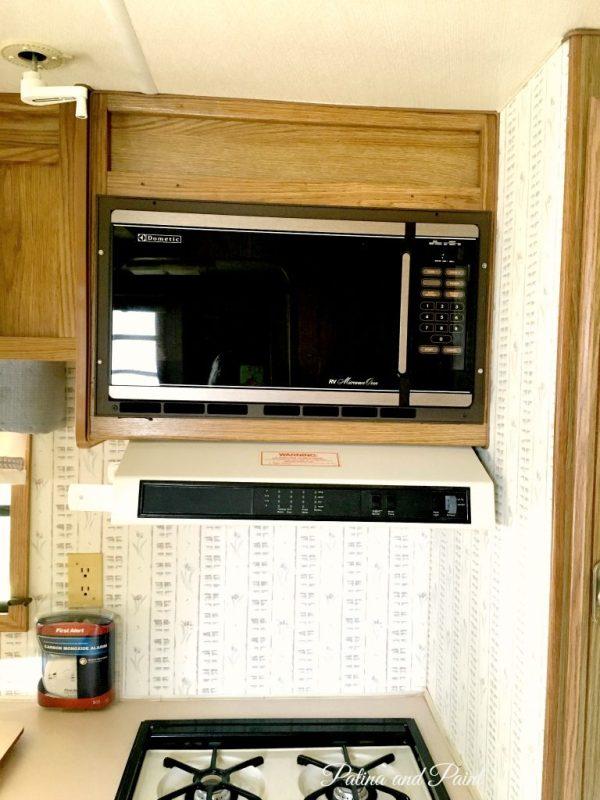 Ryan's RV kitchen 9