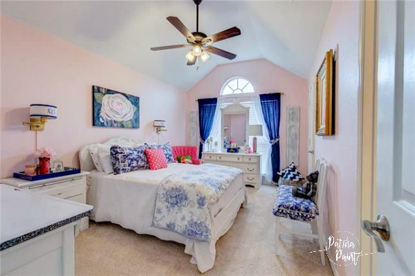 Pink and navy guest room