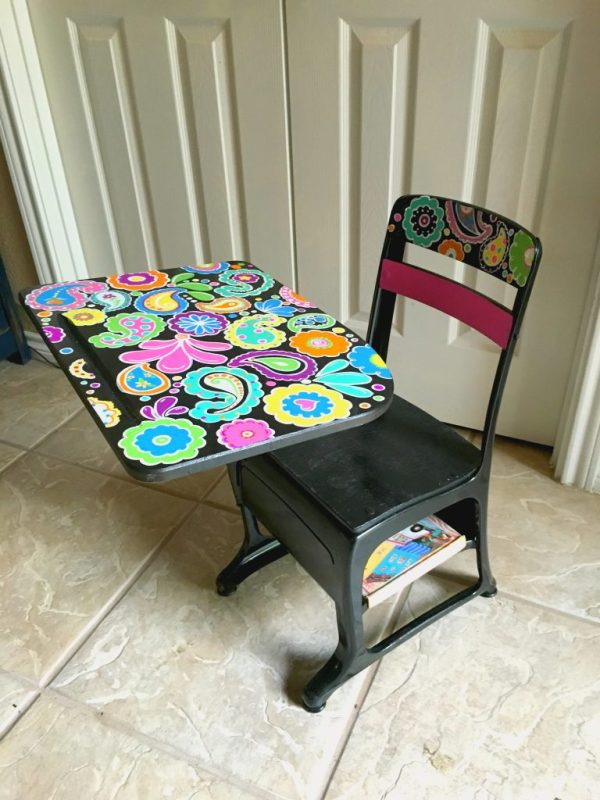 child's desk 1
