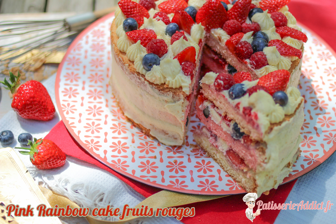 Pink Rainbow Cake  fruits rouges
