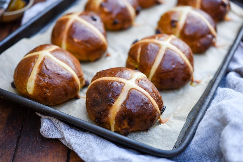 Matcha, Cranberry & White Chocolate Hot Cross Buns | Patisserie Makes Perfect