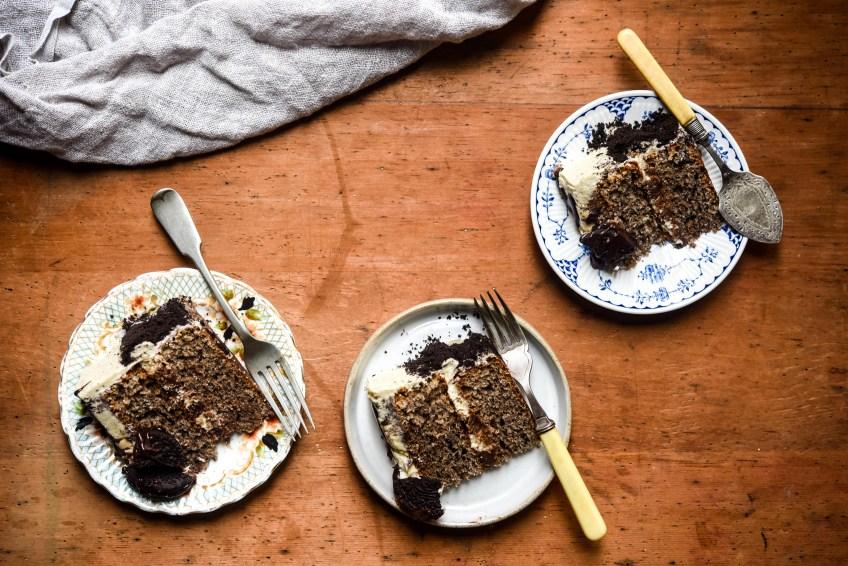 Lola's Cupcakes Create a Cake