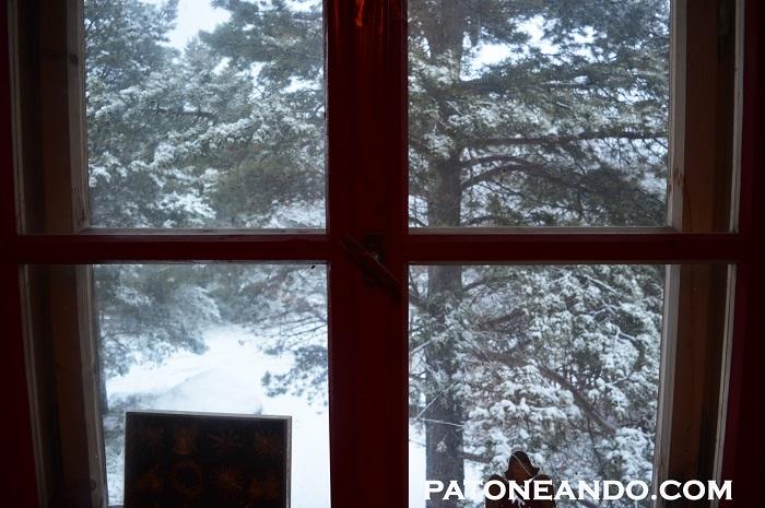 Cae nieve afuere, llueve por dentro.