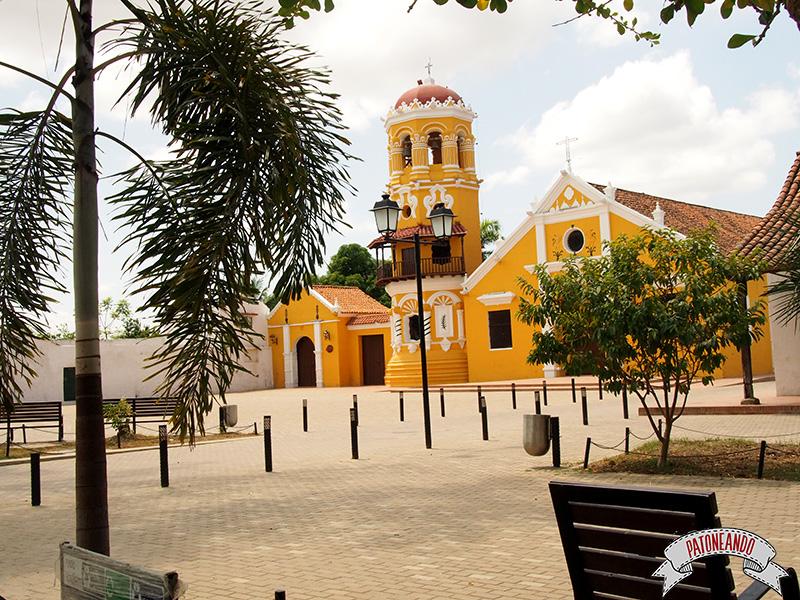 Mompox-Iglesia de Santa Barbara -Colombia-Patoneando-blog-de-viajes-5.jpg