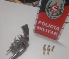 Polícia Militar apreende arma de fogo, em Patos