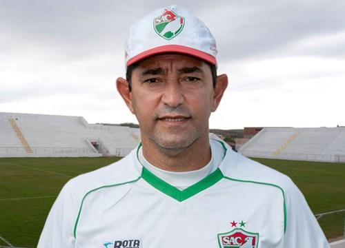 Técnico do Nacional comenta empate em casa e diz que ainda não encontrou time ideal