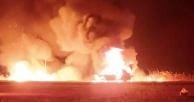 Veículo incendeia na BR 361, próximo a Patos na noite desta quarta (12). Veja o vídeo