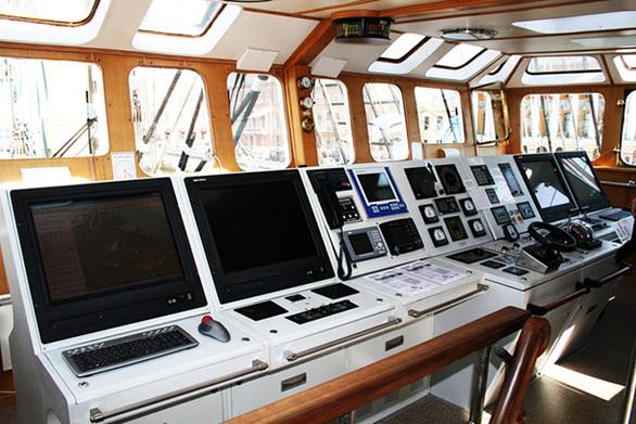 Πάτρα: Ο «γητευτής» των 7 θαλασσών που έδεσε στο λιμάνι!  – Δείτε φωτογραφίες από το πλοίο