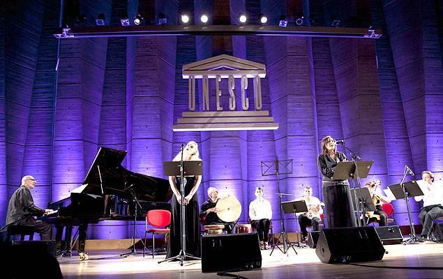 La mezzo-soprano Blandine Stastkievicz, la soprano Patricia Atallah, un contraste entre Orient et Occident modelé par Wassim Soubra (piano). Photo Tony el-Hage