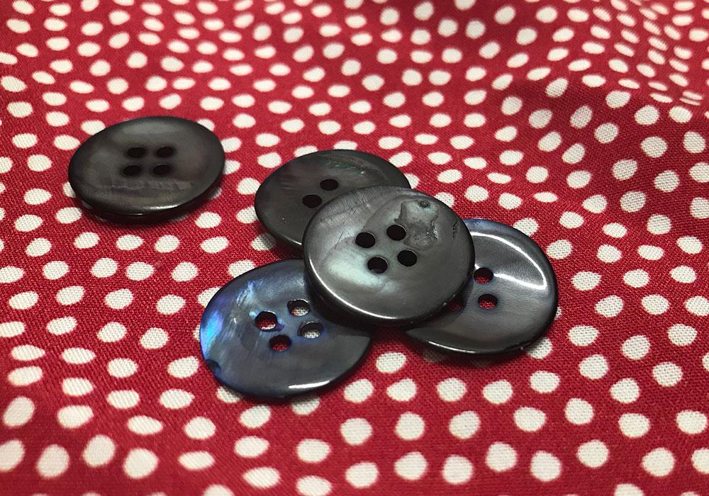 botões de madreperola   Patricia Cardoso