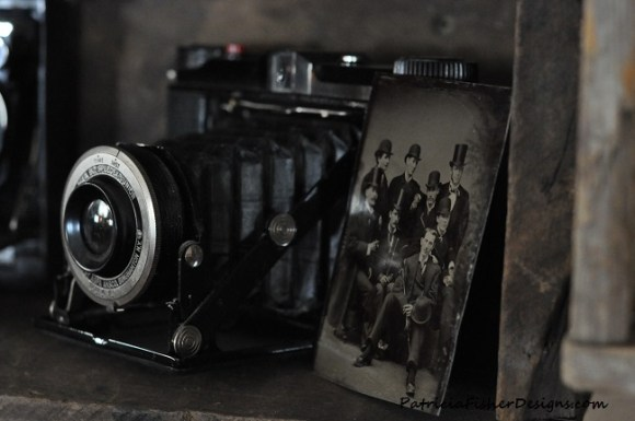 vintage camera and tin type picture