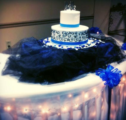 wedding cake with blue details