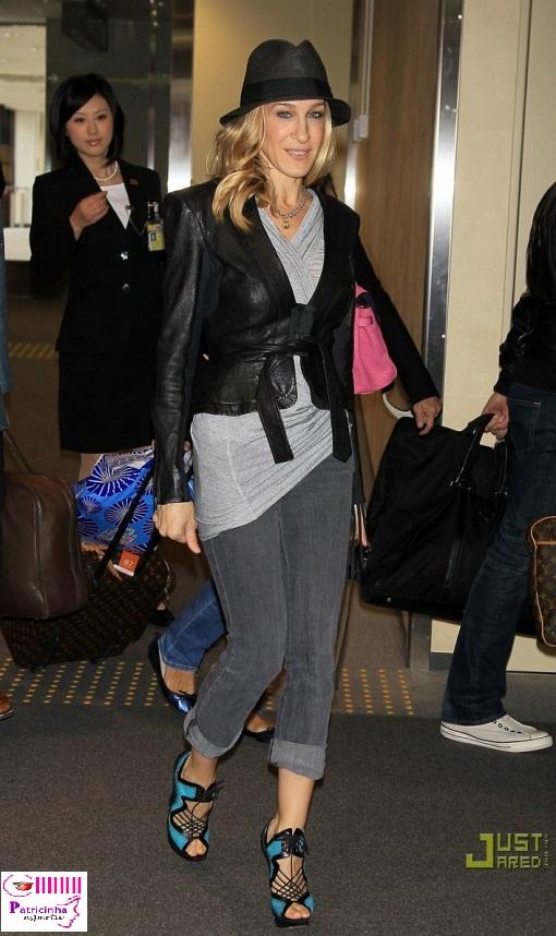 sarah jessica parker jets off japan 03 - Elegantíssima Sarah Jessica Parker X Poderosíssima Carrie Bradshaw