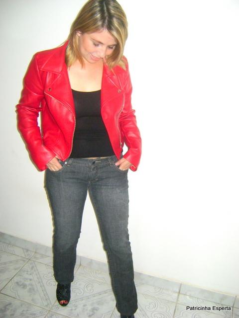 """DSC01485 - Look do Dia - Jaqueta de """"Couro"""" Vermelha"""