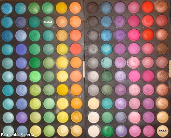 120Apost - Maquiagem com delineado preto e verde + rímel verde