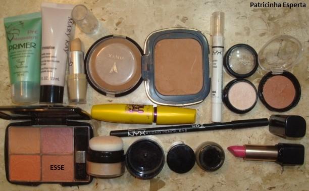 094 - Maquiagem com Delineado Marcante e Boca Pink