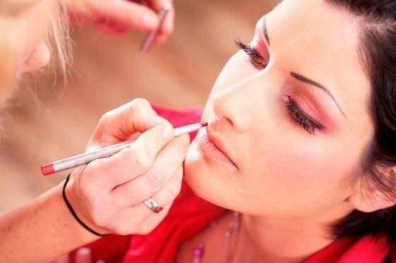 01 - ALERTA: Maquiagem Contém Metais Pesados