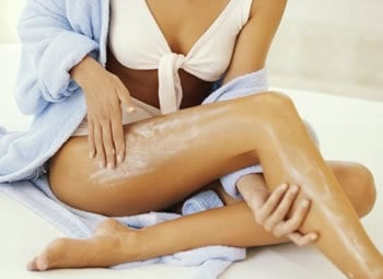 hidratante corporal - Linha Avon Naturals – Morango e Chocolate Branco: Hidratante Corporal