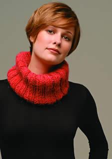 598 golas trico 03 - Dossiê da Moda - Roupas que favorecem quem tem seios pequenos