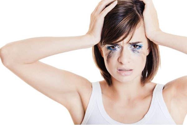 grandes erros maquiagem - Maquiagem Borrada? Saiba como Corrigir e Evitar – Parte 1