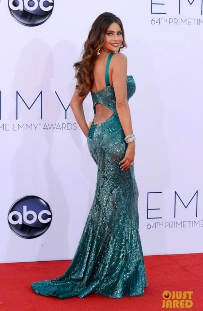 vergara emmy awards 03 670x1024 - Looks Emmy Awards 2012