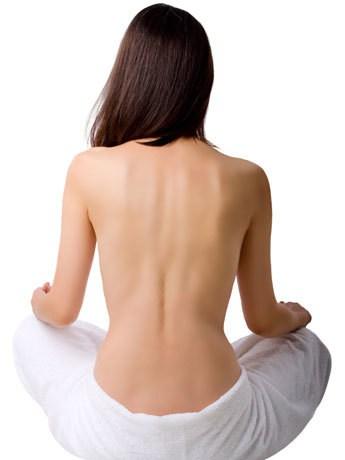beleza como tratar acne costas 460x345 br - Acne Nas Costas: Como Cuidar?