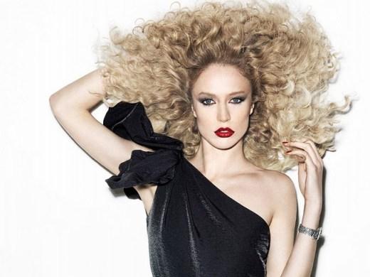 Raquel Zimmermann by Henrique Gendre Revival Vamp   Vogue Brazil June 2011 - Batom: Conheça as cores que vão colorir sua boca no inverno!