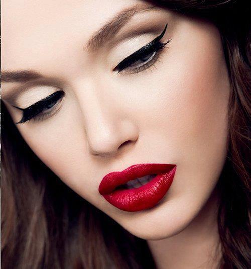 boca vermelha - Truques básicos para deixar a maquiagem como desejamos