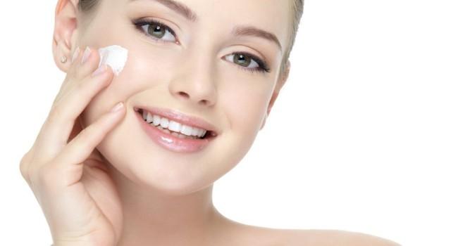 creme antissinais pele 650x350 - Beleza: produtos essenciais para todos os dias