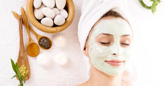 pele hidratada sem fumar - Aprenda receitinhas espertas de máscaras caseiras