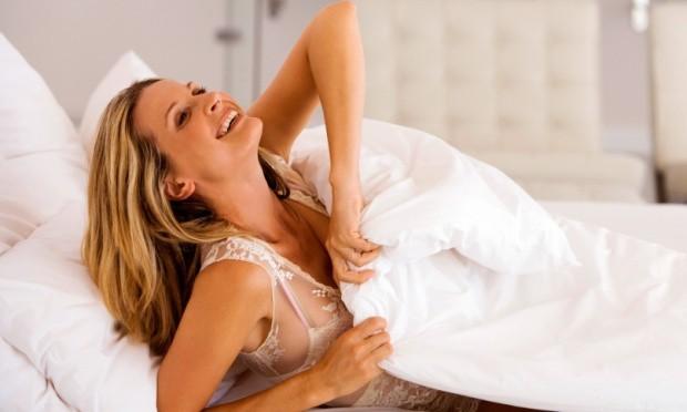 mulher feliz acordando cedo 29883 - Dossiê da alimentação saudável