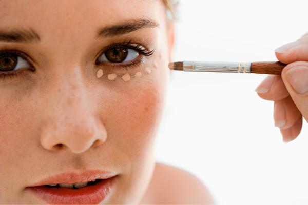 guerra contra olheiras - Seja profissional no assunto pele!