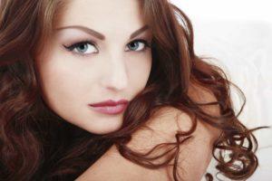 iStock 000005985169 Full1 300x200 - Já ouviu falar sobre plástica de aumento labial?