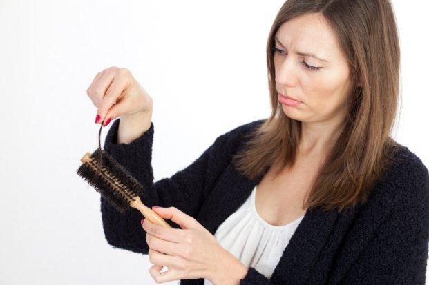 iStock 000018902245 Small - Queda dos cabelos: como acabar de vez