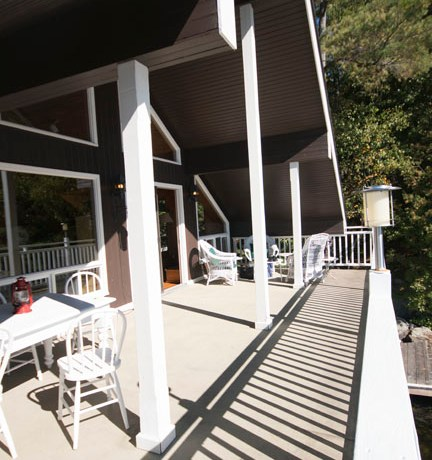 Deck on boathouse living area
