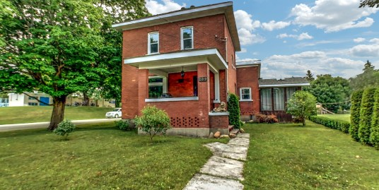 209 Marshall Street, Meaford | MeafordCharm.com