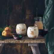 Birnen-Mascarpone Trifle Bei mir zieht langsam der Herbst ins Glas. Auch wenn ich gerade meinen Geburtstag für ein paar Tage in der Sonne genießen konnte, freue ich mich, nach einem langen Sommer auf einen goldenen Herbst. Und Birnen. Und auf das Birnen-Mascarpone Dessert.