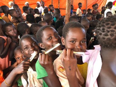 Toothbrushes-to-Children-in-Slums