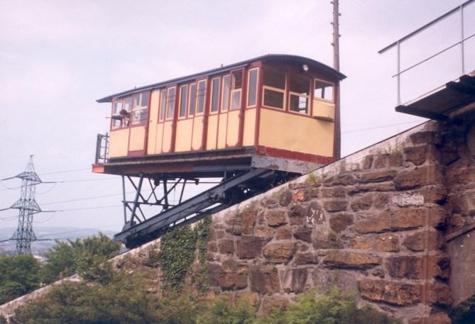 Una de las cabinas del funicular de La Reineta en 1985, (Foto Javier J García)