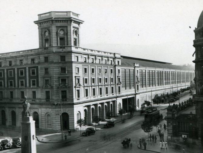 La Estación de Abando de Bilbao en una imagen de los años cincuenta (Foto: colección Joaquín Cárcamo)