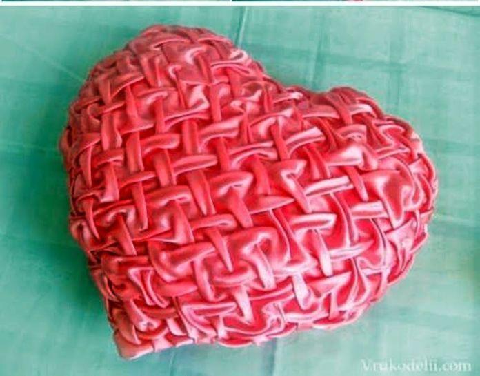 cojin de corazon