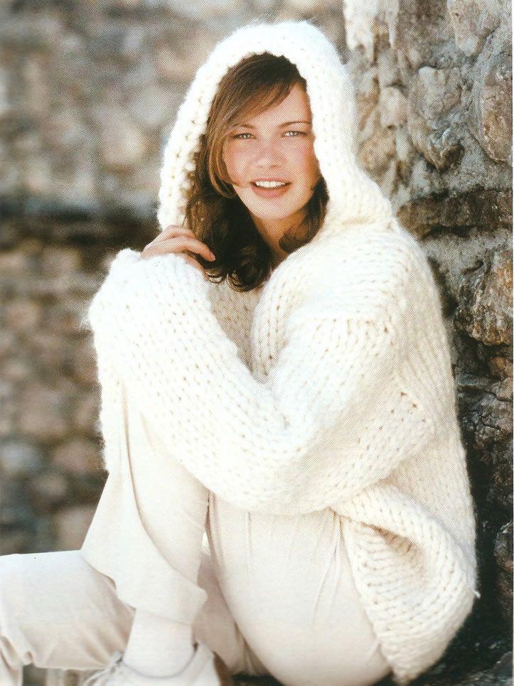 Jersey blanco con capucha - Patrones gratis