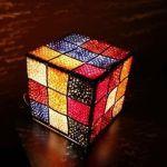 Lámpara Cubo de Rubik en Crochet