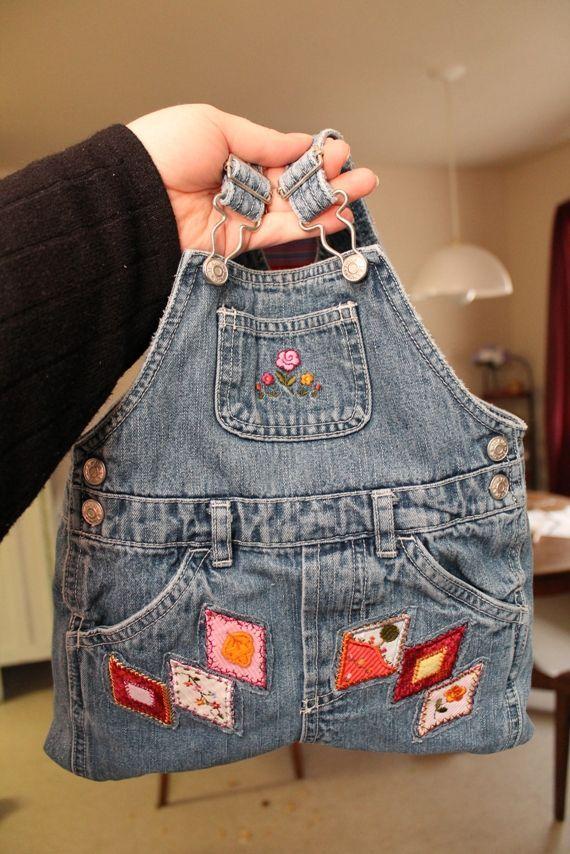 ce90999c8 En esta ocasión comparto la idea para que observes, como hacer un bolso muy  original con un pantalón de peto de un niño de 24 meses ...