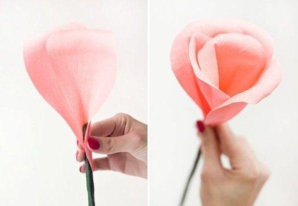 Rosas gigantes con papel crepe 7