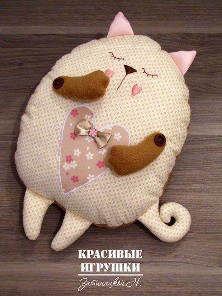 cojin-de-tela-en-forma-de-gato