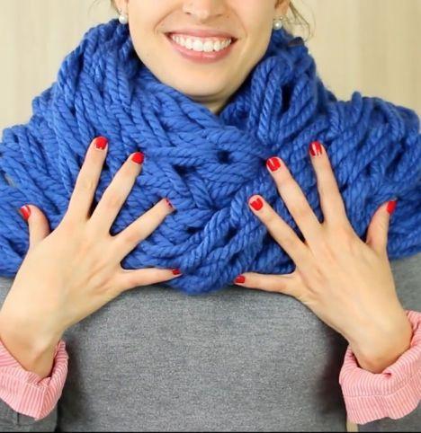 bufanda-con-los-dedos