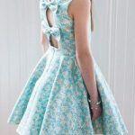 Vestido para niña con lazos en escote de la espalda