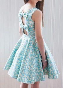 Vestido para niña con lazos